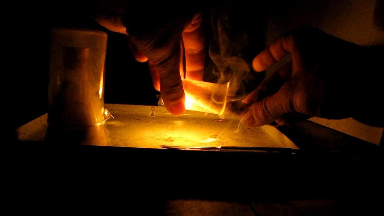 Свечение и воспламенение белого фосфора