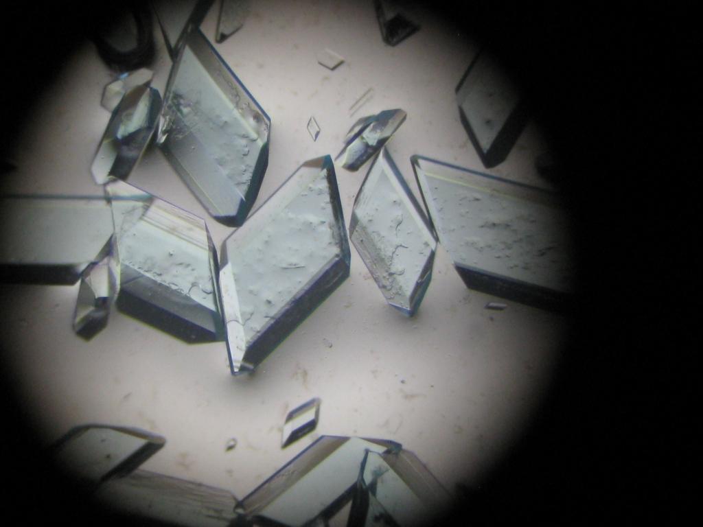 Медный купорос под микроскопом