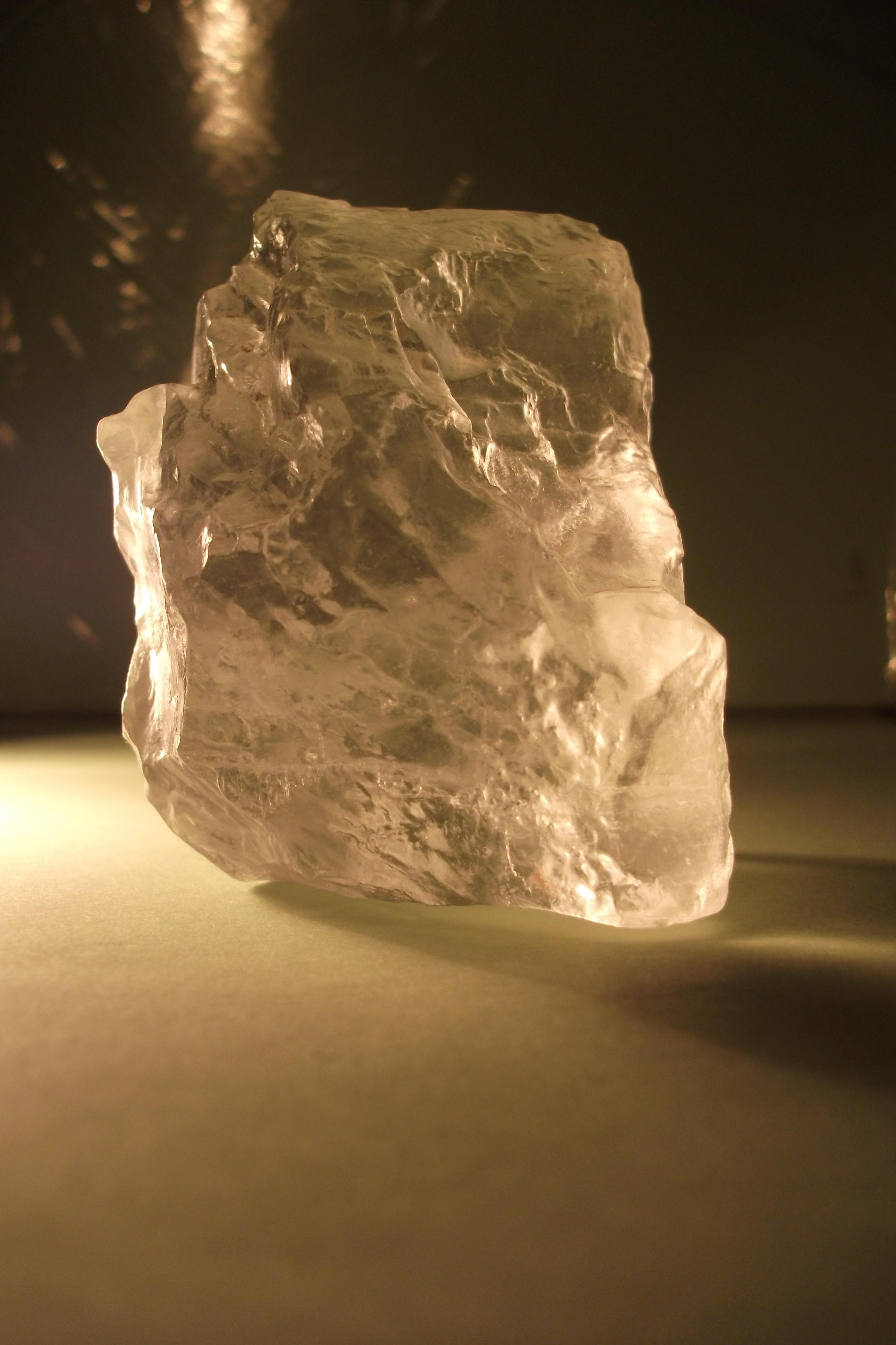 Кристаллы (хлорид натрия - галит)