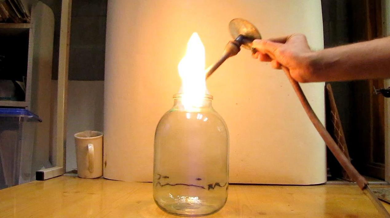 Пропан-бутановая смесь гасит газовую горелку